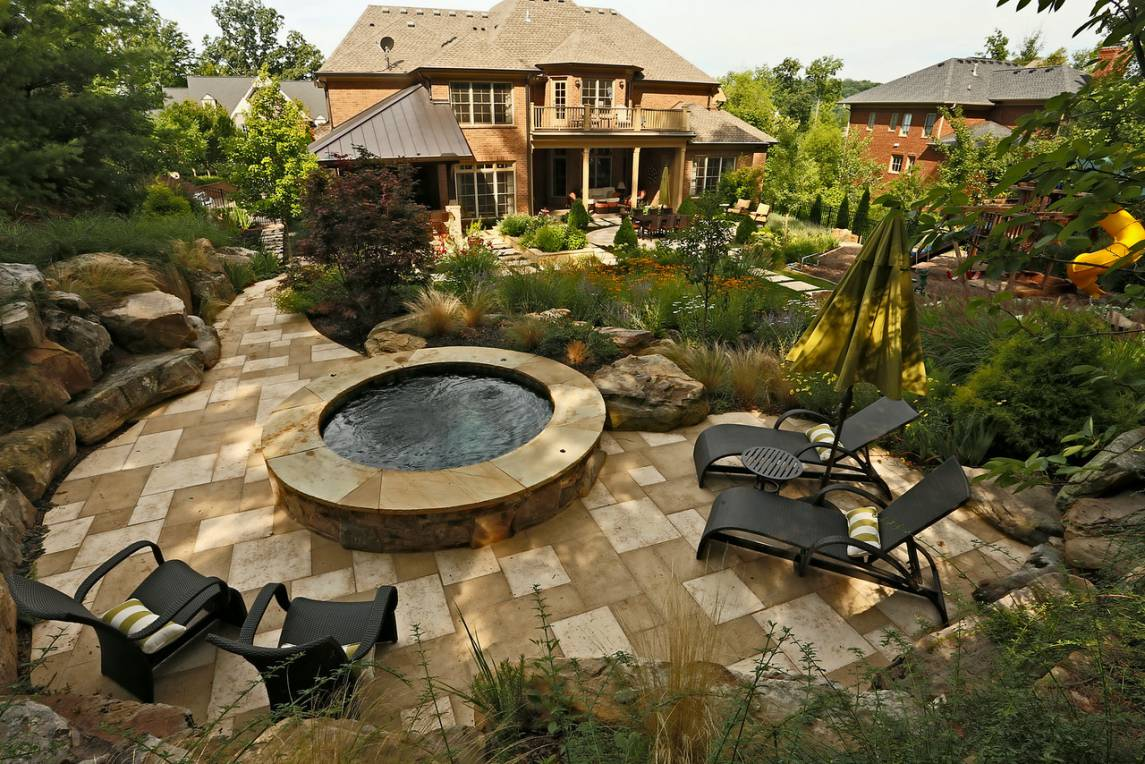 In-ground pool and spa by Nashville, Franklin, and Clarksville Swimming Pool Contractor