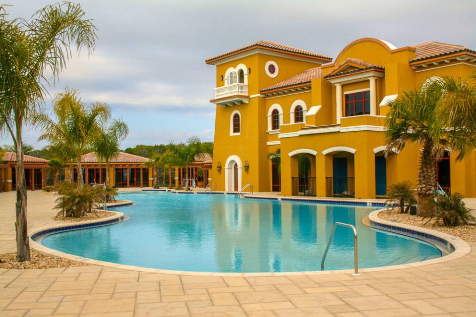 Professional Pools and Spas and Commercial Swimming Pools built by Local Swimming Pool Contractor