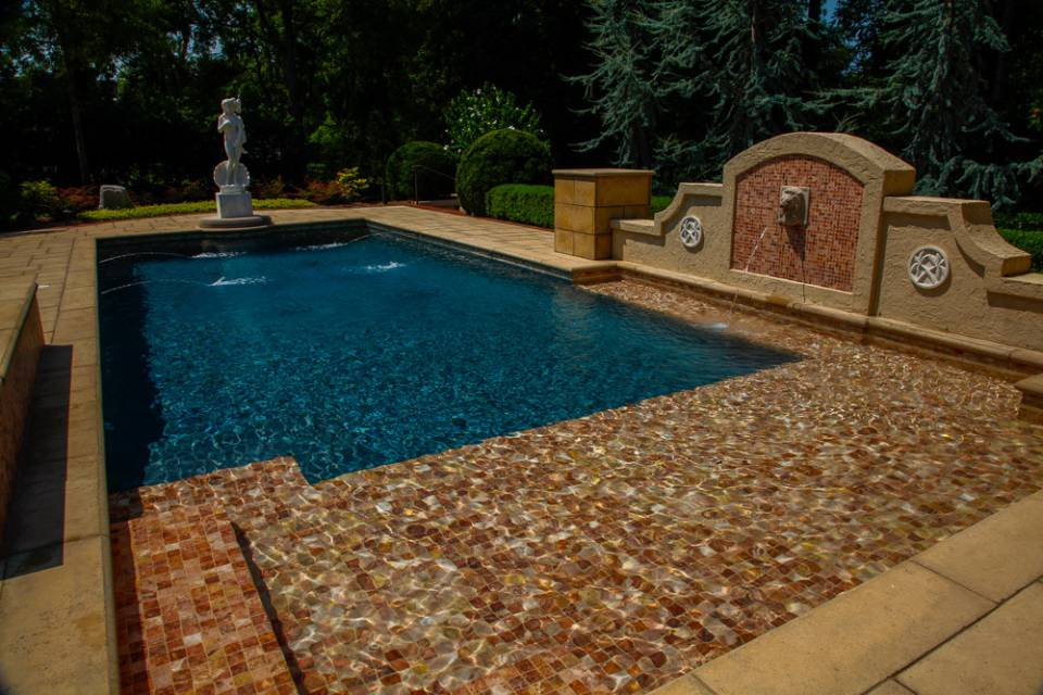 Residential luxury In-ground pools and spas in Nashville, Franklin, Clarksville TN